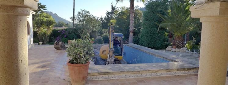 Demolición de piscina con patologías y construcción de una nueva en ...